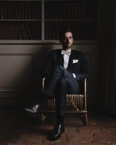 Portrait of the groom Chateau Montplaisant